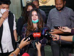 Pengakuan Melan Putri Kandung John Kei soal Papan Isi 'Target'