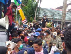 Demo Tolak PPKM Ambon, Polisi Amankan Sejumlah Mahasiswa