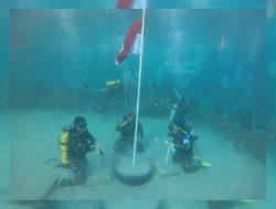 Detik-Detik Bendera Merah Putih Berkibar di Dasar Laut Negeri Mamala