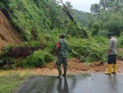 Banjir dan Longsor Hantam Buru Selatan, Akses Jalan Antar Desa Terputus